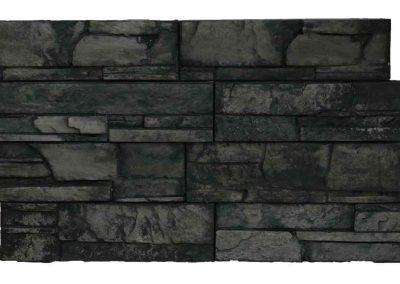 Fekete színű kőburkolat